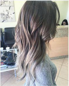 Kahverengi ve Gri Karışımı Ombre Saç Rengi