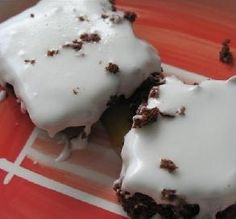 25 Weight Watchers Desserts - Don't deny yourself dessert! Satisfy your next sweets craving with these low-point brownies, cookies, cakes and other Weight Watchers dessert recipes. Plus: See more light recipes Low Calorie Desserts, Ww Desserts, Delicious Desserts, Dessert Recipes, Yummy Food, Low Calorie Brownies, Healthier Desserts, Dinner Recipes, Ww Recipes