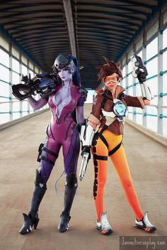 Overwatch Cosplay : Jannet Vinogradova as Widowmaker , Ardsami Cosplay as Tracer https://www.facebook.com/aardsami/  -  http://jannetincosplay.com/