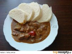 Troubový guláš New Recipes, Cooking Recipes, Food And Drink, Pudding, Sweets, Baking, Desserts, Red Peppers, Tailgate Desserts