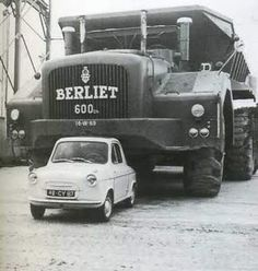 Berliet – this French Built Dump Truck was Designed for use in the Uranium Mine at Bessines-sur-Gartempe – Powered by: Cummins liter Engine, Rated at: 600 hp Cool Trucks, Big Trucks, Pickup Trucks, Vespa 400, Monster Trucks, Automobile, Heavy Machinery, Heavy Truck, Busse