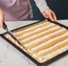 Butcher Block Cutting Board, Plastic Cutting Board, Tiramisu, Baking Recipes, Tasty, Favorite Recipes, Sweets, Cooking, Cake