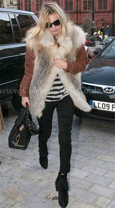 Kate Moss wore her favorite pair of Siwy Hannah jeans in It's Magic out and about in London, England.    Read more: http://www.celebritystyleguide.com/i-1-1-12407/celebrities/kate-moss/siwy-hannah-jeans-in-its-magic#ixzz1ltrnCNpr