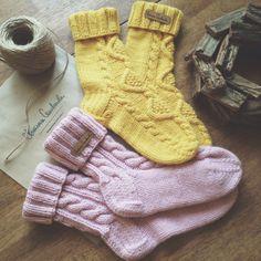 Ideas For Crochet Patterns Socks Winter Knitting Stitches, Knitting Socks, Baby Knitting, Easy Knitting Patterns, Crochet Patterns, Crochet Ideas, Crochet Slippers, Knit Crochet, Crochet Hats