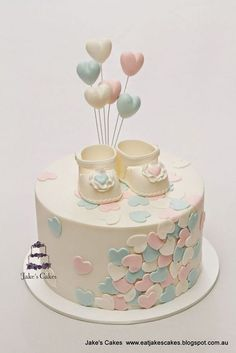 Looking for ideas for baby shower cakes? Check out these 10 Gorgeous Baby Shower Cakes for boys, girls, twins, gender reveals, and gender neutral baby showers. Torta Baby Shower, Baby Shower Kuchen, Baby Shower Pasta, Baby Shower Cupcakes, Baby Cakes, Fondant Cakes, Cupcake Cakes, Fondant Baby, Jake Cake