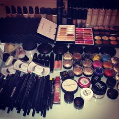 so much makeup <3