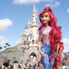 Mermaid style in Disneyland Paris! Disney Princess Dolls, Disney Dolls, Aladdin Princess, Princess Aurora, Princess Bubblegum, Barbie Toys, Barbie Clothes, Audrey Doll, Barbie Chelsea Doll