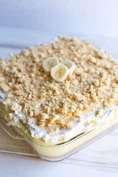 Banana Cream Pie Cake {dairy + gluten free} - - Banana Cream Pie Cake {dairy + gluten free} Dairy-free, gluten-free recipes with a bit of this crazy, beautiful life sprinkled in. Patisserie Sans Gluten, Dessert Sans Gluten, Bon Dessert, Gluten Free Sweets, Gluten Free Cakes, Dairy Free Recipes, Lactose Free Desserts, Gluten Free Pie, Dairy Free Thanksgiving Recipes