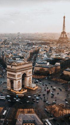 Arc de Triomphe, Beste Touristenattraktionen in Paris - France - Travel - Reise Europe Destinations, Amazing Destinations, Travel Photography Tumblr, Paris Photography, Photography Ideas, Wedding Photography, Landscape Photography, Portrait Photography, Nature Photography