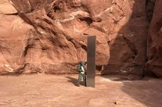 A metal monolith has somehow been installed in the ground in a remote area of red rock in southeast Utah. Continue reading Monolith discovery in Utah canyon prompts 'planet' warning at birdpuk. Planet S, Prompts, Utah, Discovery, Mount Rushmore, Remote, Nature, Travel, Naturaleza