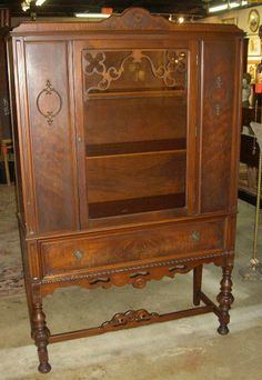 Beautiful Antique Walnut 1930u0027s Deco Era China Cabinet from Hyde Park  Estate | eBay