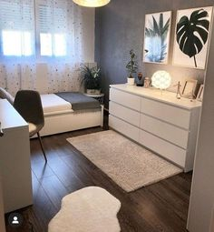 45 Minimalist bedroom decoration ideas that are comfortable … – Bedroom Inspirations Room Ideas Bedroom, Small Room Bedroom, Small Bedrooms, Cozy Bedroom, Bedroom Furniture, Small Bedroom Designs, Master Bedroom, White Bedroom, Bedroom Ideas For Small Rooms For Teens