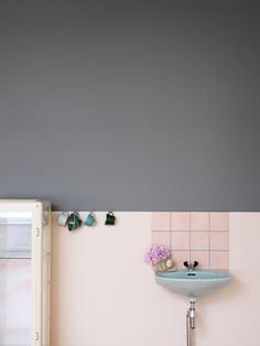 sink tiles and cups (essential for a studio)