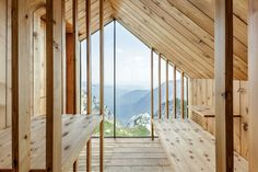 Skuta Mountain Cabin – A Contemporary Refuge for Mountaineers