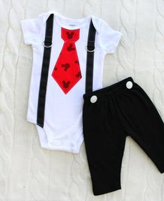 Mickey Mouse Birthday Tie and Suspender Bodysuit & Black Pants w White Buttons SET. Baby Boy First Birthday Party Disney Style Clothing- should I get this for Jereth? Baby Outfits, Outfits Niños, Fashion Kids, Disney Babys, Baby Boy First Birthday, Mickey Mouse Birthday, Black Bodysuit, Disney Style, Kind Mode