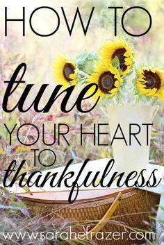 Live gratitude in action by reflecting on thankfulness! Don't miss these simple, but powerful ways you can be thankful in everyday life and praise God regularly for His many blessings! Thanksgiving Verses, Praise The Lords, Praise God, Christian Women, Christian Living, Christian Faith, New Bible, Psychology, Heart