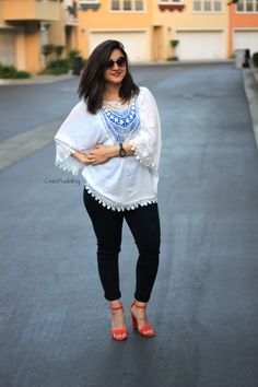 Convert a Kimono into a Top! Western Wear Dresses, Western Outfits, Classy Girl, Classy Dress, Stylish Dresses, Trendy Outfits, Fat Girl Outfits, Fashion Clothes, Fashion Dresses