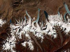 ドローンが発見したヒマラヤ氷河00