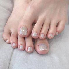 ไอเดียเพ้นท์เล็บเท้าสดใส ดูเซ็กซี่ขี้เล่นแบบสาวเกาหลี IG ddowa_nail Female Feet, Toe Nails, Nail Polish, People, Image, Feet Nails, Toenails, Nail Polishes, Toe Polish