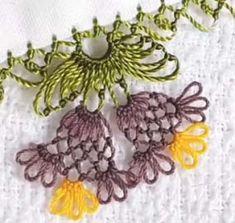 İğne Oyası İkiz Maviler Modeli Yapılışı Helly Hansen, Filet Crochet, Knit Crochet, Crochet Unique, Knit Shoes, Needle Lace, Sweater Design, Lace Flowers, Knitted Shawls
