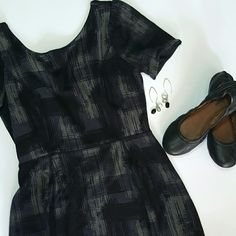 """BR graffiti print mini dress Grey and black graffiti print. Zips in back. Scoop neck in front, V in the back. Shoulder to hem is 29"""" Bust is 17.5"""" across. Rayon blend (feels like a tee). Banana Republic Dresses Mini"""