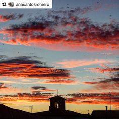 Hoy reposteamos este espectacular cielo de @anasantosromero Quieres que publiquemos tus fotos de la provincia de #Cuenca? Etiquétanos o usa el hashtag #zascandileandoporcuenca!  #MotaDelCuervo  Julio 2016 #estaes_castillamancha #estaes_espania #zascandileandoporcuenca