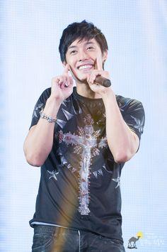 Kim Hyun Joong ♥ Boys Over Flowers ♥ Playful Kiss ♥ SS501 ♥ Barefoot Friends