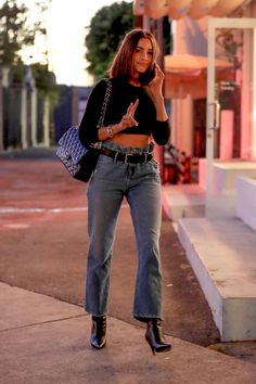 Olivia Culpo wearing Chanel Quilted Flap Xl Bag and RTA Brand Dexter Belted Jeans Fashion Idol, Denim Fashion, Star Fashion, Fashion Addict, Women's Fashion, Street Fashion, Fashion Trends, Olivia Culpo, Urban Fashion