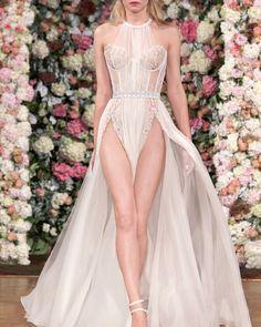 Aadnevik | Spring Summer 2016 #aadnevik #aadnevik2016 #fashion #moda #dress #vestido #gown Simple Dresses, Beautiful Dresses, Nice Dresses, Short Dresses, Prom Dresses, Formal Dresses, Amazing Dresses, White Elegance, White Gowns