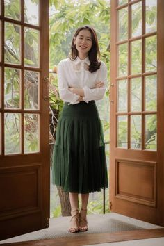 Cool Outfits, Fashion Outfits, Korean Actresses, Asian Style, Dress Codes, Most Beautiful Women, Foto E Video, Spring Outfits, Korean Fashion