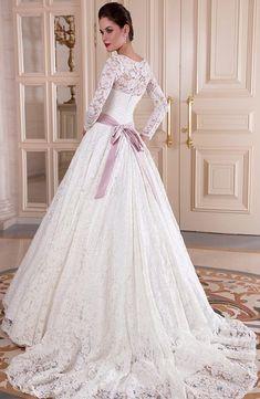 220790eca9dc 22 fantastiche immagini su Cinture abito da sposa