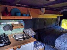 48 Smart Camper Van Conversion Inspirations for You Custom Camper Vans, Custom Campers, Cool Campers, Happy Campers, Diy Interior, Land Rover Defender, Trailers, Automotive Carpet, Van Dwelling