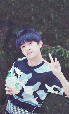 Jackson Yi | Dịch Dương Thiên Tỉ