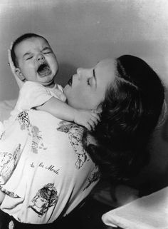 With mom Judy Garland. Already showing off her voice. | 8 Adorable Pics Of Baby Liza Minnelli