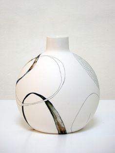 Tania Rollond, ceramic artist, NSW, Australia #modern #ceramics #art