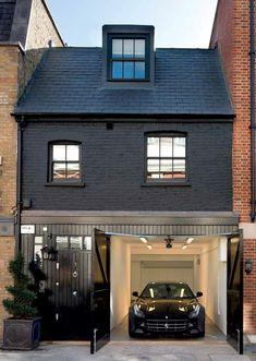 Mews House London // Smart grey & black exterior.