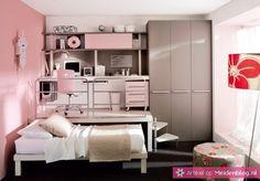 Heb je een handige broer, vriend, vader of buurman? Vraag hem dan een soort plateau te maken voor in je kamer. Omdat je met gemak je bed eronder kunt schuiven, heb je overdag een stuk meer ruimte.