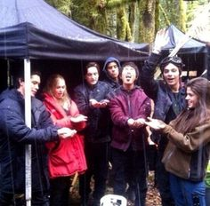The 100 Cast // Behind the Scenes // Bellamy Clarke Murphy Monty Jasper and Octavia