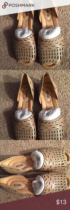 Brand new Earth brand leather peep toe sandals. Brand new Earth brand peep toe sandals. Size 7. Color: light pecan. 109% leather upper. Earth Shoes Flats & Loafers