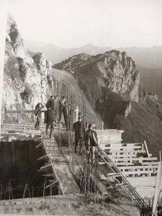 Construcción del teleférico de Fuente Dé. Foto de E. Bustamante (Fuente Fotos del Valle de Liébana y Picos de Europa Cantabria - Facebook)