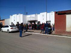 Por lo menos 300 habitantes de Ignacio Zaragoza protestaron y bloquearon oficinas de Gobierno del municipio, el motivo fue el 'gasolinazo'....