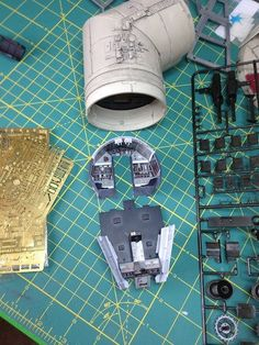 Millennium Falcon Model, Aliens Colonial Marines, Sci Fi Miniatures, Star Wars Room, Star Wars Models, Lego Models, Model Building, Mandalorian, Plastic Models