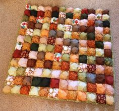 One of the best quilt patterns when it comes to making fabric really stand out has to be the Perfect Puff Quilt. If you thought learning how to make a puff quilt was hard, think again! This puff quilt tutorial will show you how easy this is. Quilt Baby, Lap Quilts, Bubble Quilt, Jelly Roll Quilt Patterns, Quilt Patterns Free, Quilting Tutorials, Quilting Projects, Puff Quilt Tutorials, Pach Aplique