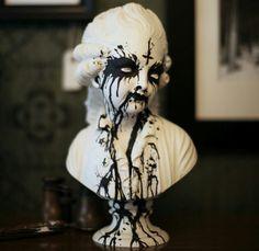 Creepy decorative bust - luv it!
