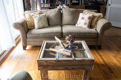 How+to+Make+a+Rustic+Old+Window+Coffee+Table