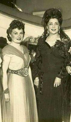 Niní junto a Lola Membrives, quien había nacido un día como hoy en 1888. (28 de junio)