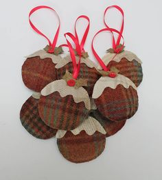 Gorgeous scented Christmas pudding decorations made from beautiful Abraham Moon tweed. Each Christmas Pudding is hand sewn and stuffed with wadding for shape and a handful of cloves for a wonderful Christmas scent, a lovely pre-Christmas hostess gift, ho Christmas Decorations Sewing, Fabric Christmas Trees, Tartan Christmas, Kids Christmas Ornaments, Christmas Sewing Projects, Christmas Gifts To Make, Xmas Crafts, Handmade Christmas, Christmas Diy