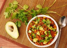 30 Minute Enchilada Quinoa Bowl (GF, DF, Top 8 Free, Vegan Option) by Allergy Awesomeness Salad Recipes For Dinner, Delicious Breakfast Recipes, Dinner Salads, Healthy Salad Recipes, Veggie Recipes, Yummy Food, Dairy Free Diet, Gluten Free, Different Diets