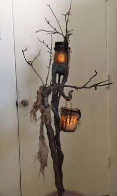 Halloween it's coming, are you busy decorating your home? Just make your halloween craft with this stunning idea Soirée Halloween, Halloween Forum, Outdoor Halloween, Holidays Halloween, Halloween Costumes, Samhain, Helloween Party, Diy Halloween Decorations, Haunted Houses