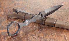 A slim dagger by Benchmade. Cool Knives, Knives And Tools, Knives And Swords, Benchmade Knives, Tactical Knives, Tactical Life, Rifles, Throwing Knives, Custom Knives
